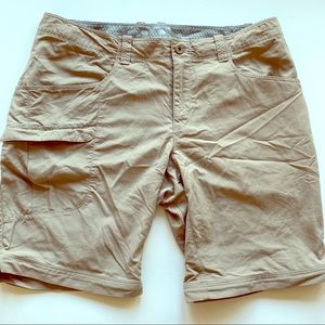 Mountain Hardwear khakis Bermuda shorts size 6